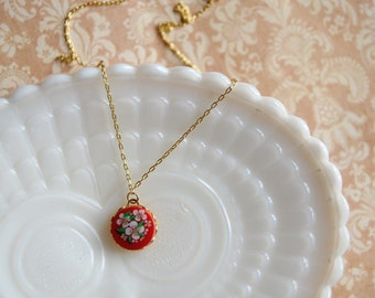 Scandinavian vintage floral necklace- The Heidi- red