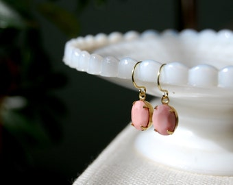 sweet and simple- vintage faceted glass dangle earrings- pretty in pink- spring