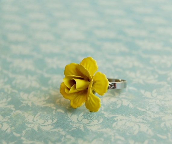 Bright yellow enamel flower ring on adjustable base- sunshine blossom.