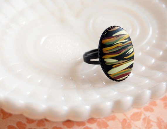 Abstract tribal stripes cocktail ring - adjustable aged brass setting - safari hue