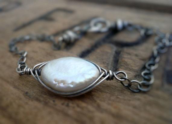 Nestle Bracelet. Handmade. Pearls. Oxidized sterling silver.