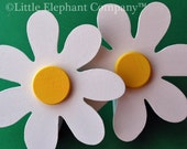 White Daisy Quilt Clips - set of 2