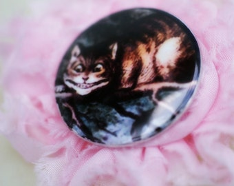 Cheshire Cat Alice In Wonderland Greetings Card Pin Brooch