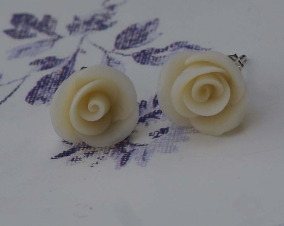 POSH TOTTY Tiny delicate cream rose studs