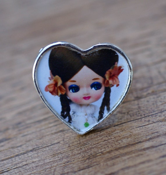 Heart Shaped Veronica Pose Doll Adjustable Ring