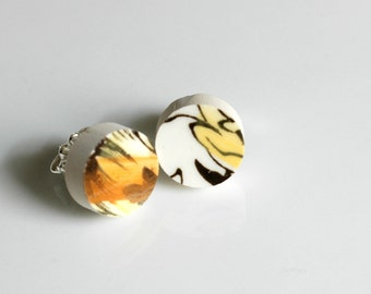 Simple Circle Broken China Stud Earrings - Black Yellow and White Flower