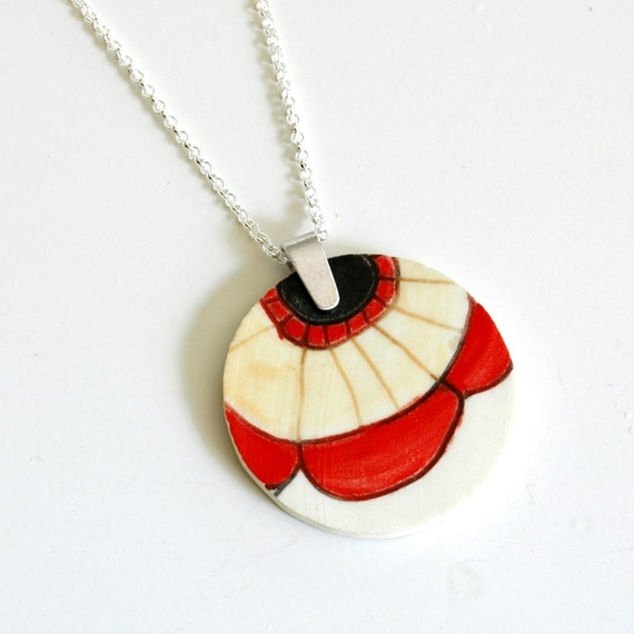 Simple Circle Broken Plate Pendant - Red and Yellow Poppy
