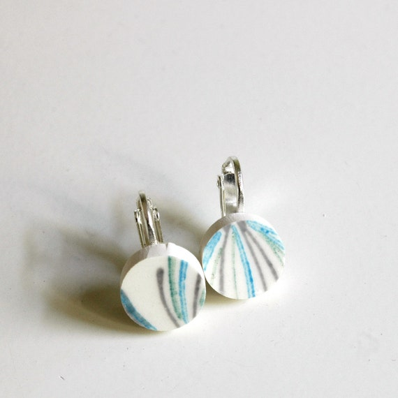 Simple Circle Broken China Clip-on Earrings - Blue and White