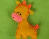 Giraffe felt pin