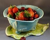 Large Berry Bowl Colander on Leaf Tray
