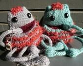mmmmm aka Mr. Mighty Munchie Mouth-pouch Monster (a knitting pattern)