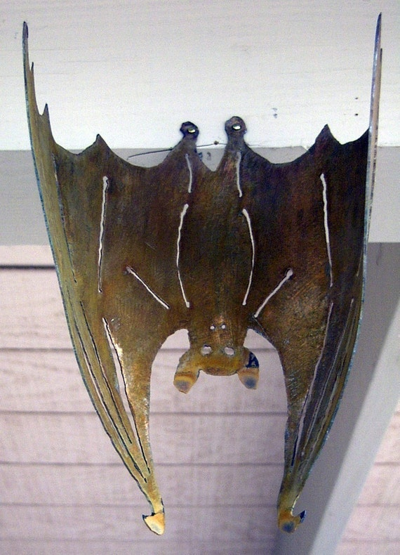 Bat Vampire Small Hanging 3-D Flat or Curled Garden Yard Art