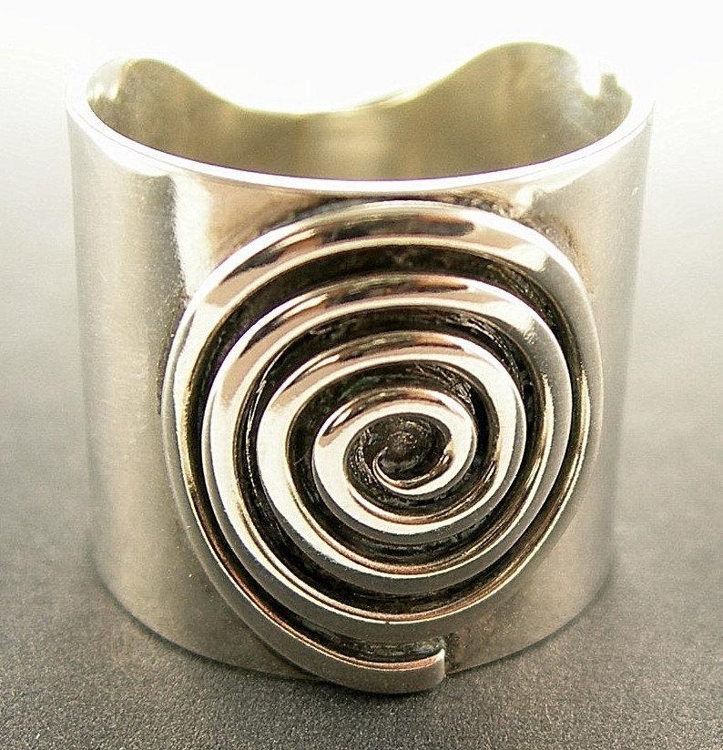 wide silver spiral ring