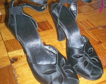 Vintage 1950s Black Strappy Heels Customcraft Originals Milgrim Excellent Condition