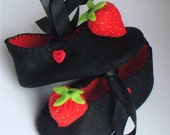 Black Felt Strawberry Baby Shoes/Booties