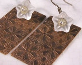 Daisy, daisy - Brass and Glass Flower Earrings
