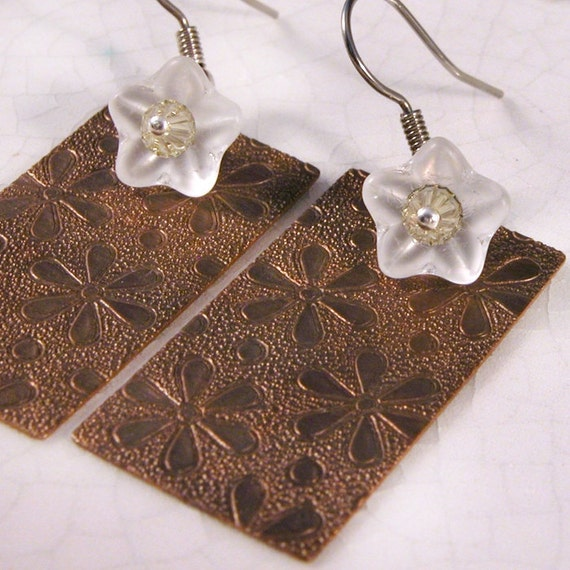 Daisy, daisy - Brass and Glass Flower Earrings