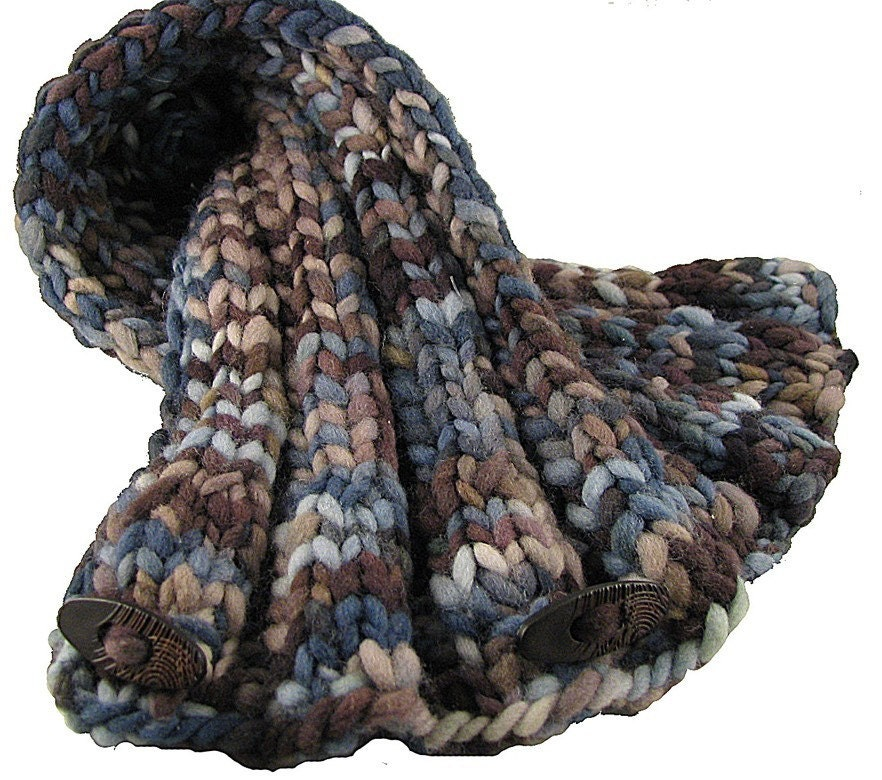 Plymouth Patterns - 1884 Cabled Pocket Scarf Pattern - Large Photo