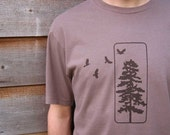 Organic Cotton T-shirt with Flying Birds and Pine Tree -  Men's Light Brown