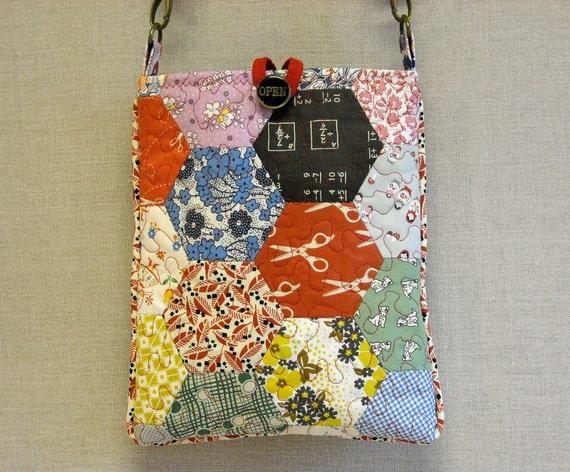 Quilted  Cross  Body Bag - Little Feedsack Hexagons 2