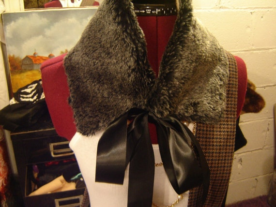 Re-constructed Grey Fur Collar
