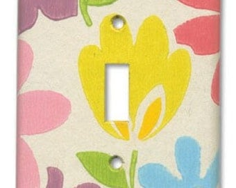 Very Brady Floral 1960's Vintage Wallpaper Switch Plate