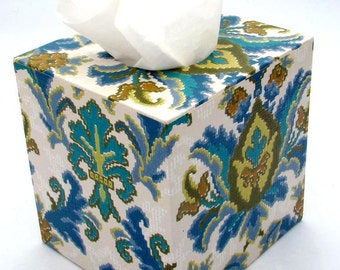 French Damask 1970's Vintage Wallpaper Tissue Box Cover