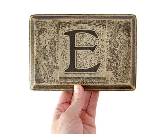 The Letter E -  MONOGRAM PLAQUE - 1922 French Dictionary Illustration