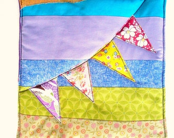 Kitchen Pot Holder, Bunting Flags