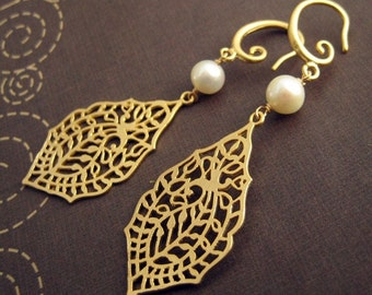 melody - gold filigree and pearl earrings