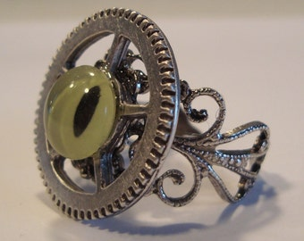 Victorian Steampunk REPTILICUS MACHINUS Green Reptile or Dragon Glass Eye Gear Watch Clock Ring