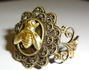 """Victorian Steampunk """"To Bee or Not to Bee"""" Honey Bee Insect Handmade Ring"""