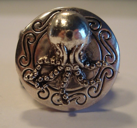 Victorian Steampunk All About The OctopusesSilver-Tone Octopus Locket Ring