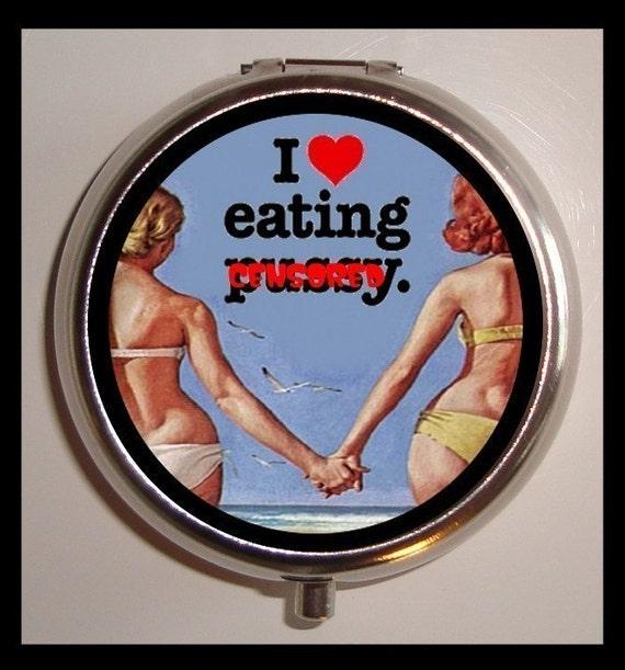 I Love Eating Puss y Lesbian Pill Box Gay Woman In Love Pillbox Case Holder Medicine Organizer birth control case