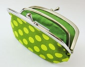 Coin purse / wallet Green dots on avocado