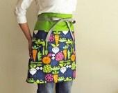 Reversible half apron - vegetable garden navy