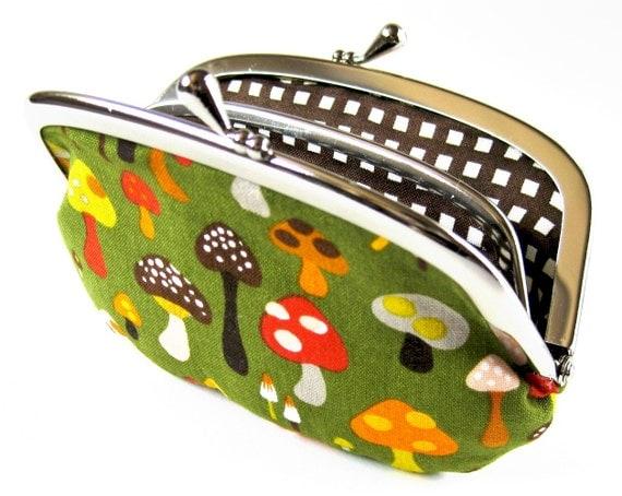 Coin purse/wallet - mushrooms on moss
