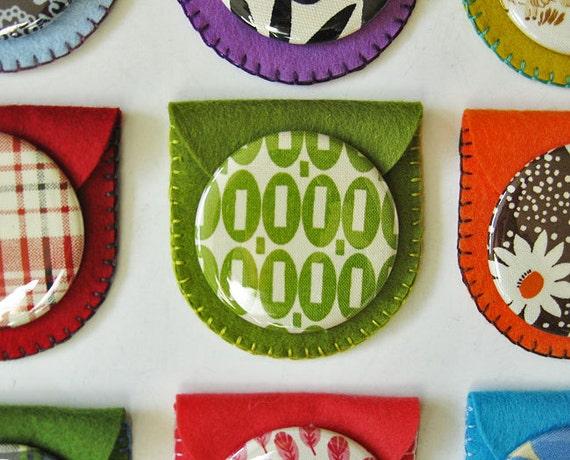 Pocket mirror in felt case - Green square ovals