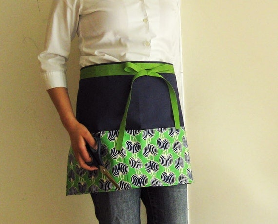 RESERVED for ETC (Half apron navy canvas with green pockets)