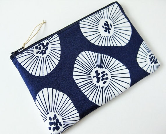 Zipper pouch - white flowers on navy blue
