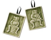 Frog Musician Ornaments - Fiddler and Drummer -  Musical Amphibian lovers - Olive green - It aint easy being green