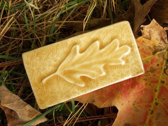 Oak Leaf Tile - Yellow