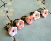 ON SALE - Peaches n Cream Flower Stitch Markers