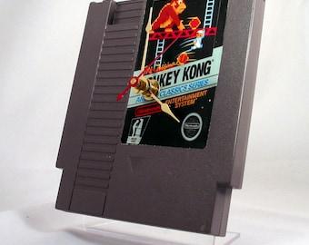VINTAGE Nintendo Donkey Kong Cartridge Clock (1985)