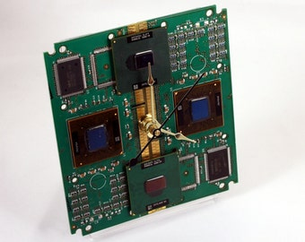 Intel Pentium III Computer Circuit Board Desk Clock