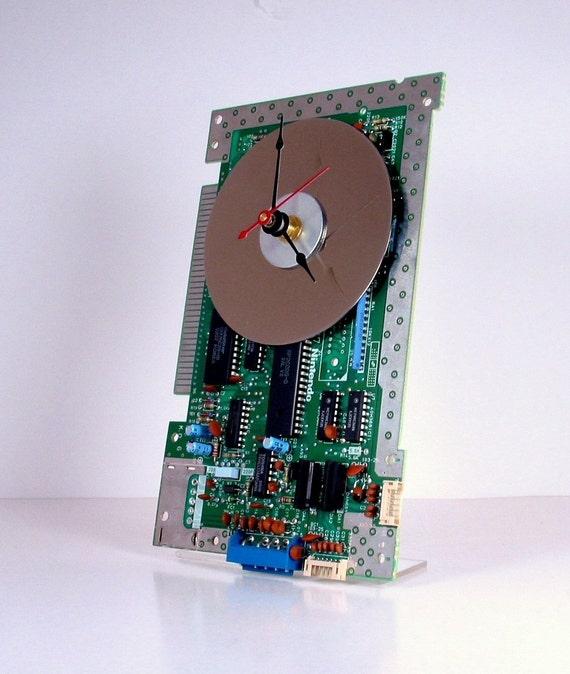 Vintage Nintendo (NES) Circuit Board Clock (1987)