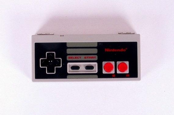 Vintage Nintendo (NES) Controller Storage Box (1985)