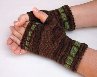 Pattern, Squared Up fingerless gloves