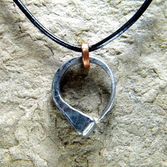 Horseshoe Nail Small Simple Circle Necklace Pendant