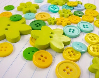 springtime buttons / 40 pieces with flower assorted . greens yellows mint blue lime